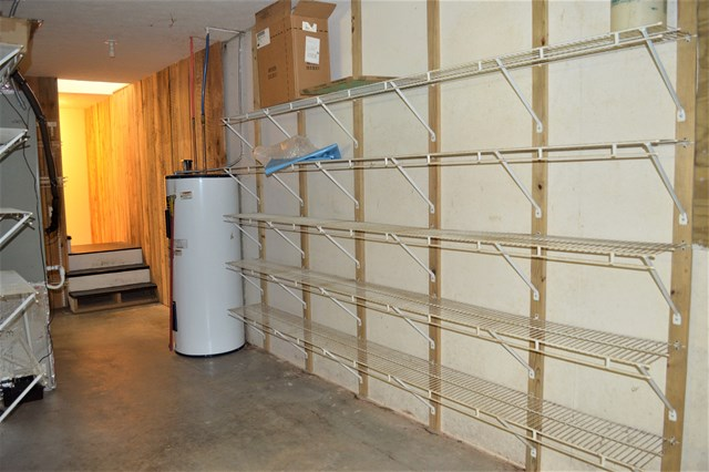 Large storage area in basement